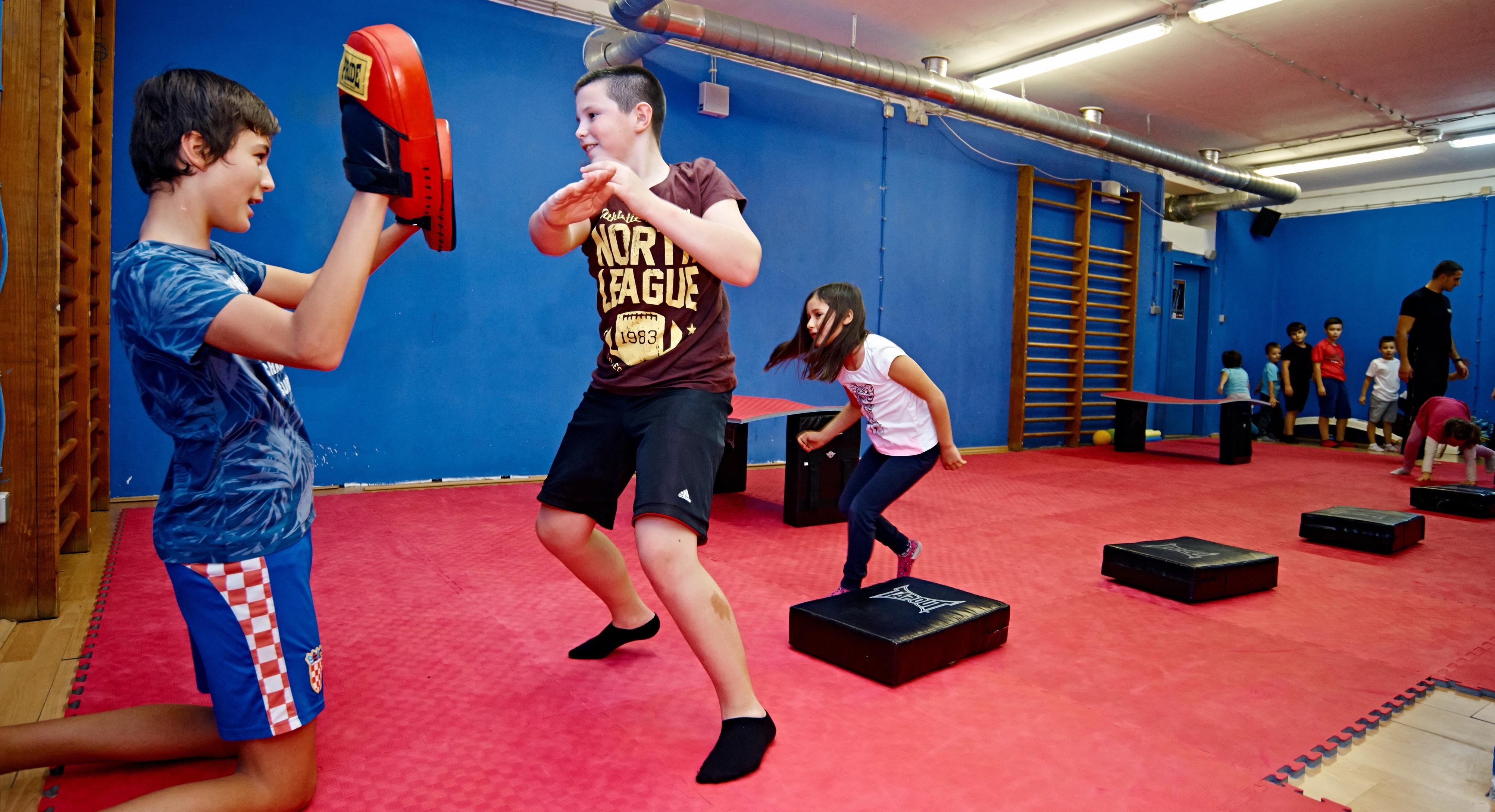 upoznavanje instruktora borilačkih vještina Beau zna datiranje